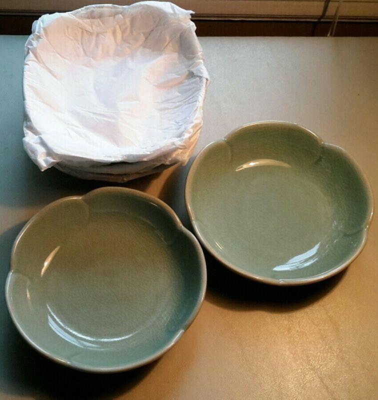 Set of 5 Crackled Glaze Celadon Green Graceful Lotus Shaped Small Bowls, New!