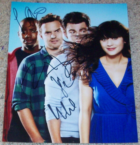 THE NEW GIRL CAST SIGNED 8x10 PHOTO w/PROOF ZOOEY DESCHANEL +3 AUTOGRAPH