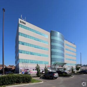 Professional Building Unit For Sale in Brampton