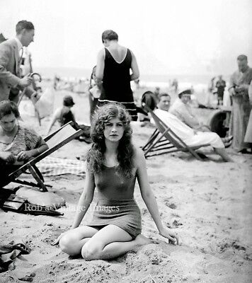 Flapper Women Girls Swimsuits Photo early 1925 Flappers Jazz Prohibition  - Flapper Girls