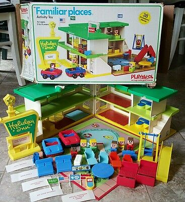 Vintage Playskool Holiday Inn Familar Places Playset 1974 With Box   38 Complete