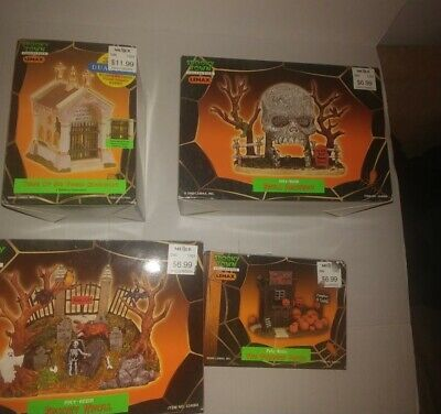 4-Lemax Spooky Town The Pumpkin Patch- skull archway-edgar goodbody-spooky knoll