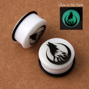 Glow-in-the-dark-Howling-Wolf-Moon-Acrylic-single-flare-o-ring-ear-plugs-AP-514