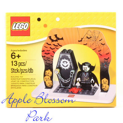 Lego DRACULA DISPLAY SET - Halloween Vampire Monster Cape Minifig Coffin 850936 - Lego Halloween Vampires