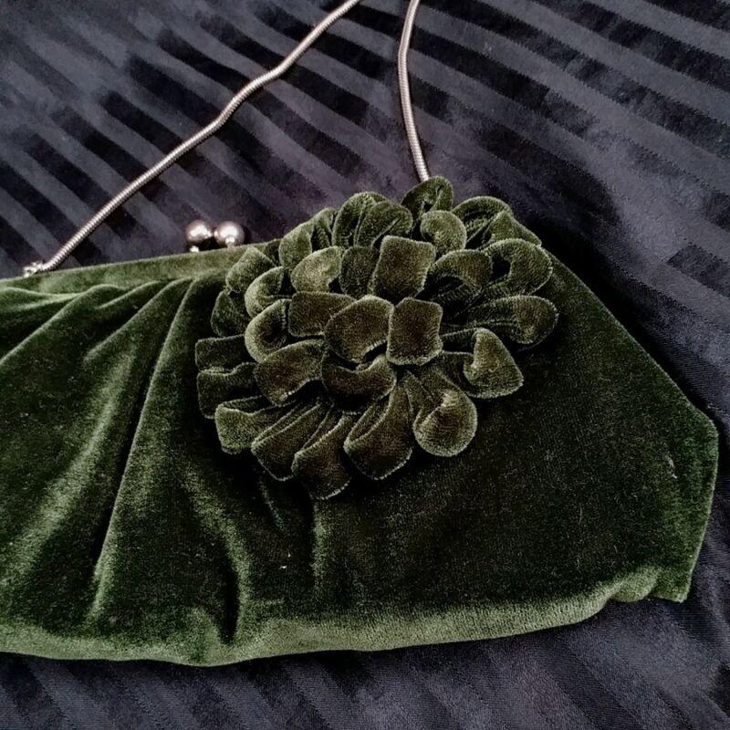 vintage green velvet handbag pocketbook purse evening bag