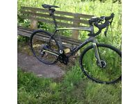 2016 Specialized Roubaix sl4 disc - size 58cm ultegra and hydraulic disc brakes