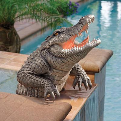 DB383090 Snapping Swamp Gator Statue
