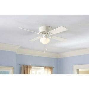 Harbor Breeze Armitage 42-in White Flush Mount Indoor Ceiling Fan with Light Kit
