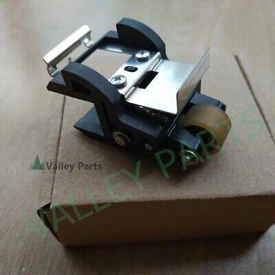 Original Roland Vp-540 Sp-540 Vs-640 Pinch Roller Assycentral- 6700460300