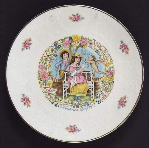Vintage Royal Doulton Bone China Porcelain Snack Plate Dish Valentine 1978 Gift