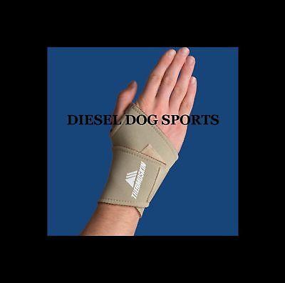 Universal Wrist Wrap (THERMOSKIN UNIVERSAL WRIST WRAP WRIST SUPPORT BRACE)