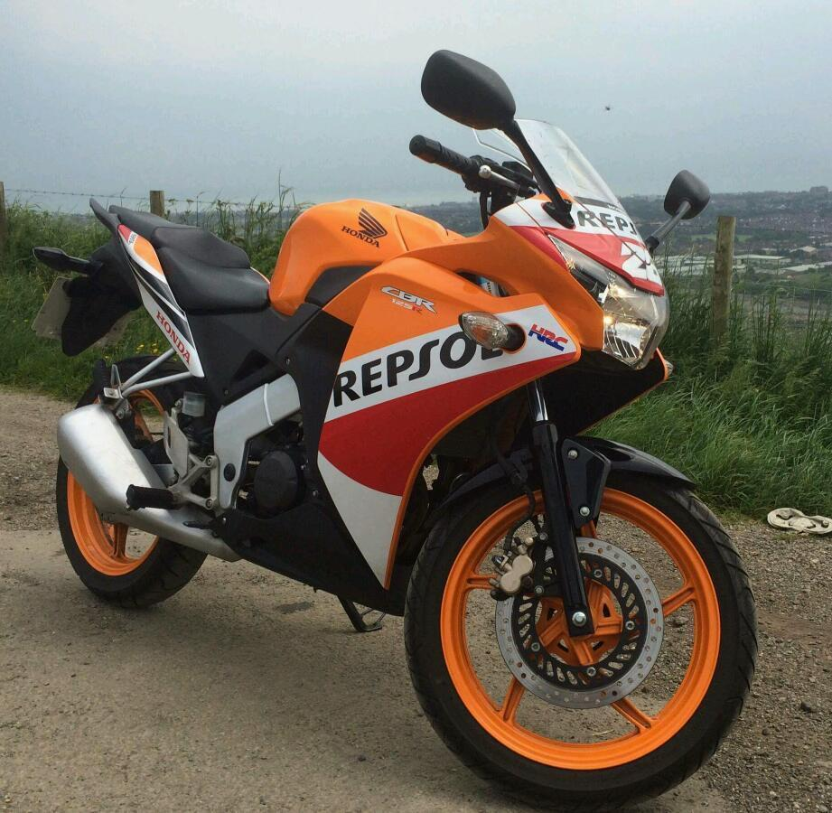 honda cbr 125 r 2015 repsol in dover kent gumtree. Black Bedroom Furniture Sets. Home Design Ideas