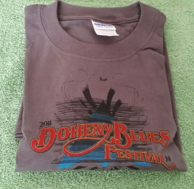 2011 Doheny Blues Music Festival CA Size M T-Shirt Gray John Fogerty California