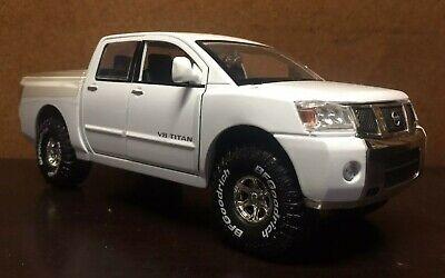 Jada Toys 1:24 Scale High Profile Nissan Titan [LOOSE]