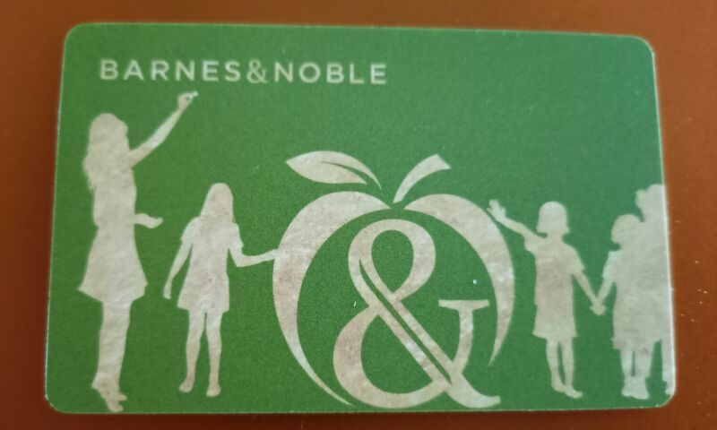BARNES & NOBLE GREEN FOR TEACHER Gift Card, 2021, Collectible Mint, PVC