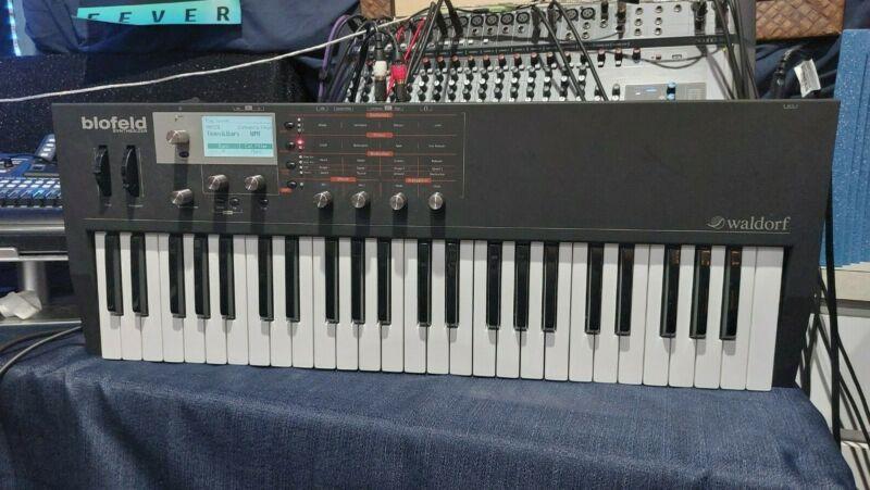 Waldorf Blofeld 49-Key Keyboard Synthesizer Shadow Black Limited Edition Model