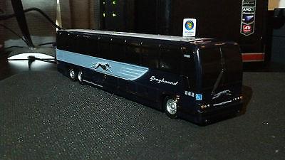 Greyhound Bus Prevost Bus Bank 1:50 Scale