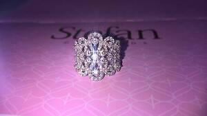 Stunning 18ct White Gold Diamond Dress Ring Pearsall Wanneroo Area Preview