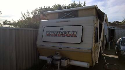 16 ft windsor poptop caravan Parmelia Kwinana Area Preview