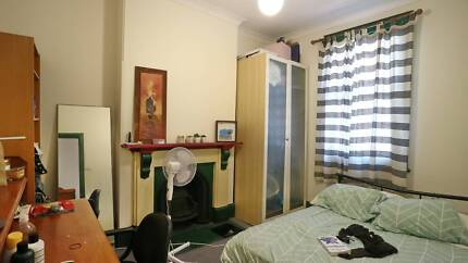 Room available in Chippendale