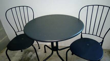 Table Chairs In Good Condition For Sale
