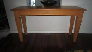 Wood quality hall table, excellent condition, reduced Woodlands Stirling Area Preview