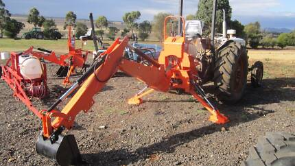 BACKHOE ATTACHMENT MODEL B8 FOR TRACTORS 35 - 65HP