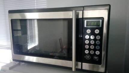 Breville 1100W 34L Microwave