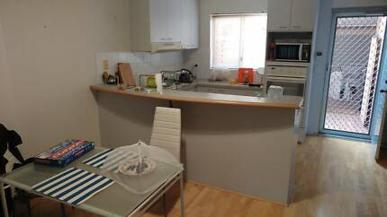 Rooms available in new furnished house Victoria Park$140
