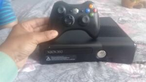 Xbox 360 with more than 20 games
