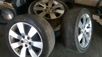 Holden Commodore VE 245/45R18' Mag Wheels tyres are need to be ch