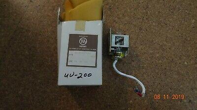 Varian Deuterium Lamp Assembly 03-916077-00 For Ic 9050 Uv-100200   D13