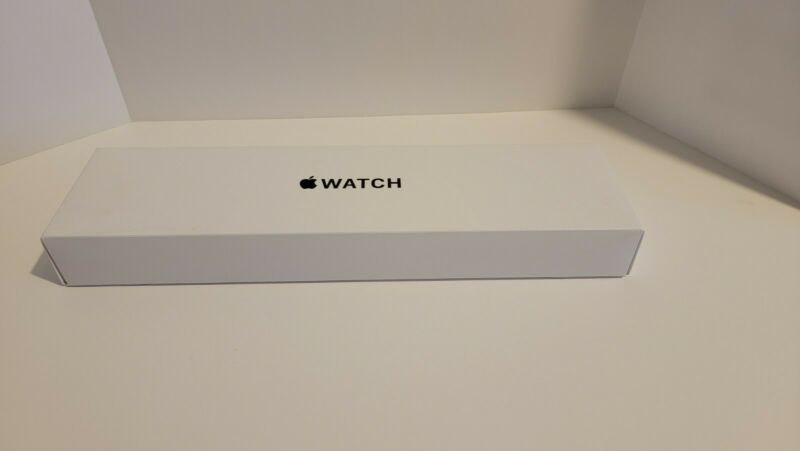***BOX ONLY*** MYEC2LL/A Apple Watch SE 40mm Gold Aluminum  with free new band