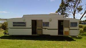 Capricorn Caravan 28.6 Ft. Large & Comfortable living Clayton Bay Alexandrina Area Preview