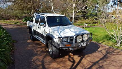 UNBREAKABLE 2000 Toyota Hilux SR5 3L TD 4X4 Dual Cab Adelaide CBD Adelaide City Preview