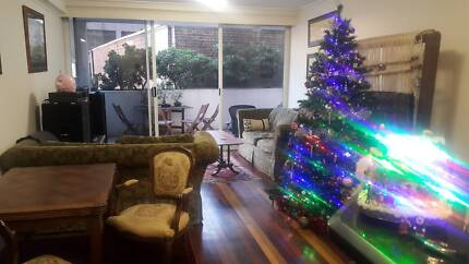 GIRLS ROOM SHARE DOUBLE ROOM, SYDNEY CITY GEORGE ST WORLD SQUARE