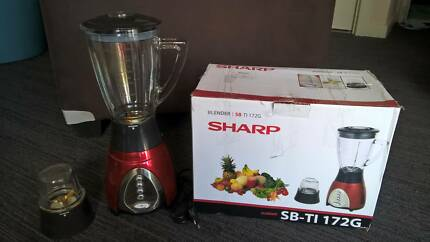 Fast sale: SHARP Blender ,Comes with box.