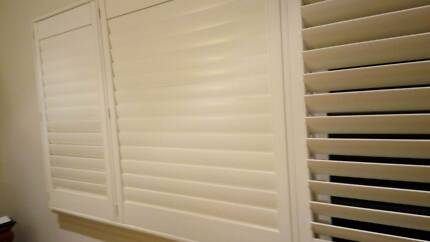 Timber Plantation Blinds with Movable Louvers, White colour