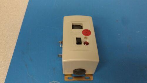OMRON  D7H-A1 Vibration Sensors SPDT ENCL 100-170gal NEW No Box