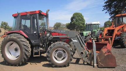 Case IH 4240 tractor 4wd with cab,front loader and hayforks