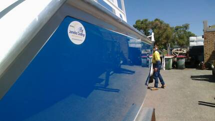 Boat spray painting and repairs Rockingham Rockingham Area Preview