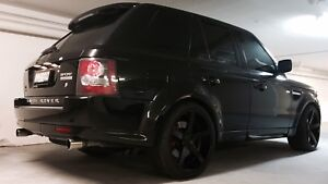 Range Rover Sport V8 SUPERCHARGED!!!! Low kms!!!