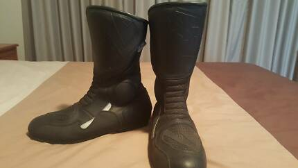 Black motorbike boots - size 11