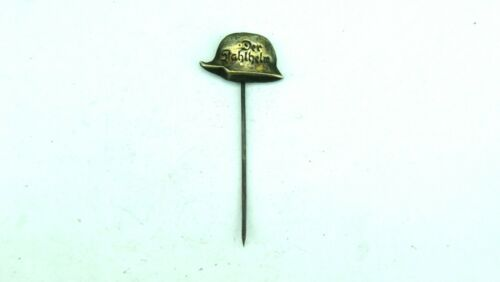 WW2 GERMAN DER STAHLHELM MINIATURE PIN. NICE PIN FOR YOUR COLLECTION OR DISPLAY