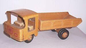 Alter DDR Fröbel LKW vintage Holzspielzeug Kipper Trucker Laster !