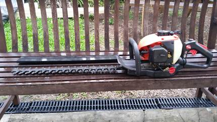 trade tool brand hedge trimmer good cond and working order