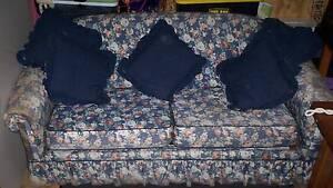 Sofa Bed - lounge Elderslie Camden Area Preview