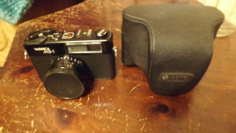 Yashica MG-1 Vintage Film Rangefinder Camera With 45MM 1:2.8 Yashinon Lens+ case