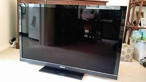 "46"" SONY BRAVIA 3D TV KDL 46HX800, 2 SONY 3D GLASSES +TRANSMITTER Roseville Ku-ring-gai Area Preview"