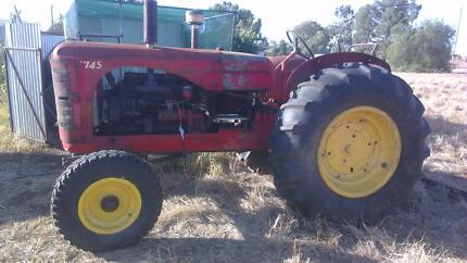 Massey Harris 745 tractor Coolamon Coolamon Area Preview